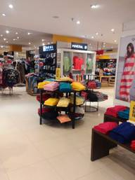 Store Images 6 of Central