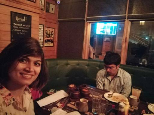 Shweta Anirudh Bhardwaj @ Vapour Bar Exchange, Sector 29, Gurgaon photos