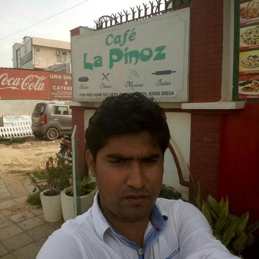 Ankush Jain @ La Pino'z Pizza, Golf Course Road, Gurgaon photos