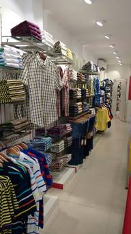 Store Images 1 of Red Tape, Vikas Marg