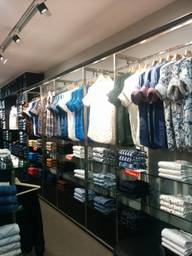 Store Images 3 of Mufti