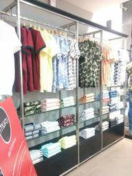Store Images 4 of Mufti